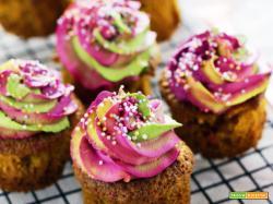 Muffin con frosting arcobaleno (ricetta facile passo passo)