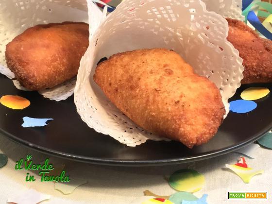 Panzerotti fritti con LM ripieni di zucca, gorgonzola e noci