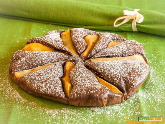 Torta al cacao con pere e cannella
