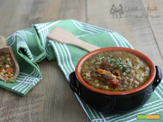 Zuppa di misto legumi e cereali secchi, cottura in pentola a pressione