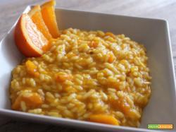 Risotto arancia e zucca per dare un pò di colore alla nostra cena!
