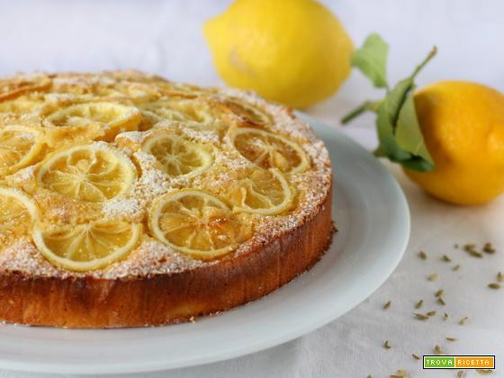 Torta di limoni frullati mandorle e finocchietto