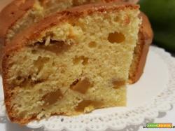 Torta al olio con mango e aroma di mandorla