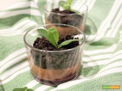 Vegan Mousse al Cioccolato con Crumble al Cacao e Sale Maldon