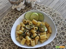 Mezze maniche alle zucchine e lime