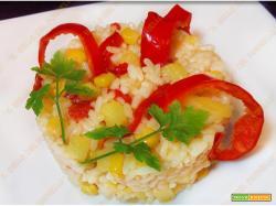 Risotto vegetariano con peperoni mais e patate