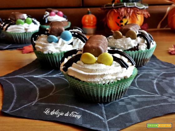 ragnetti dolci multicolori con panna - ricetta Halloween