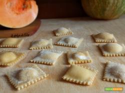 ravioli ripieni di ricotta e zucca - ricetta facile - homemade