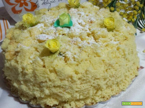 Torta mimosa con crema pasticcera e amaretti