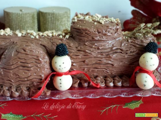 Tronchetto di natale al cacao con crema al mascarpone e torroncini