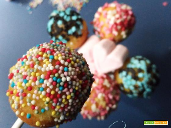 Colorati, buoni, allegri e divertenti: semplicemente cake pops!