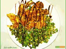 Filetti di Pollo impanati con Piselli e Panna di Soia