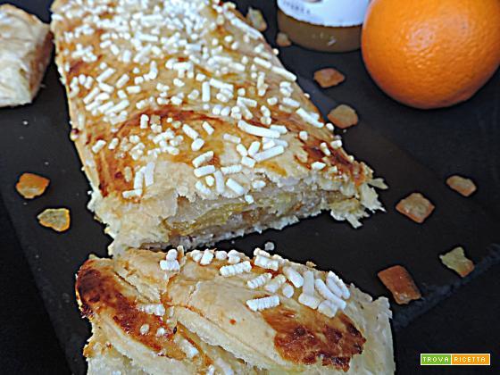 Rotolo di sfoglia alla marmellata e arancia candita