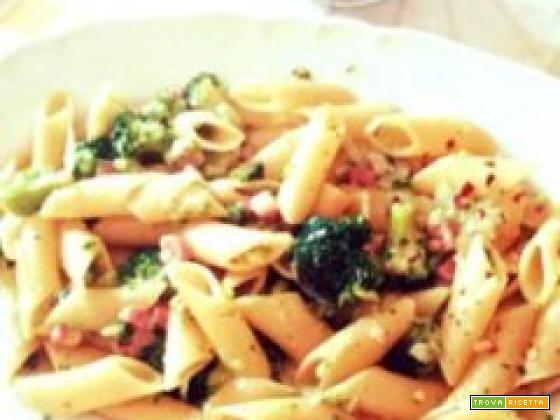 Pennone con broccoli baresi e pancetta