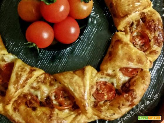 Coroncina rustica con pate' di pomodorini e mozzarella
