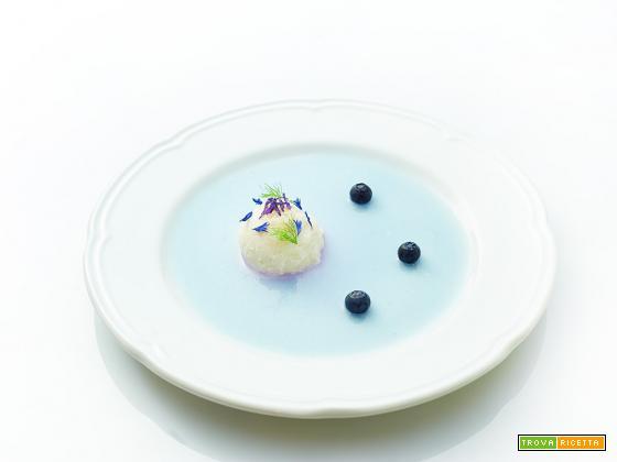 dessert in blu