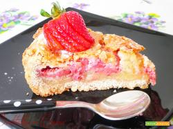 Crostata con crema frangipane e fragole