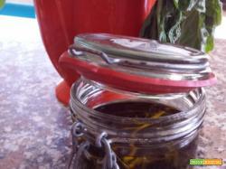 Basilico in olio: dritte per conservare il basilico sott'olio
