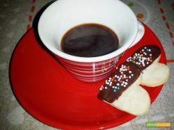 Biscotti alla vaniglia: ricetta per biscotti da te, colazione o merenda