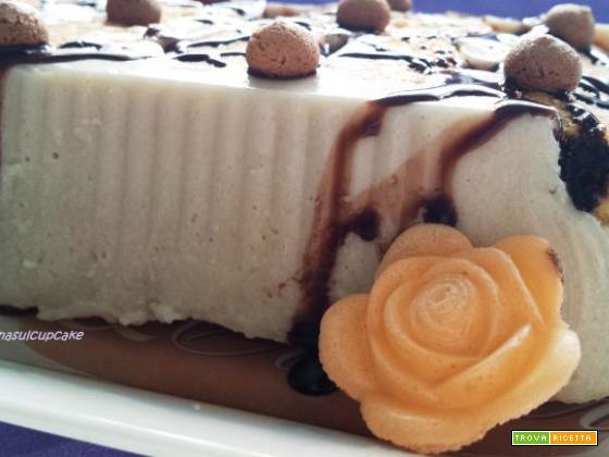 Mattonella alla vaniglia e amaretti: il dessert che non ti aspetti