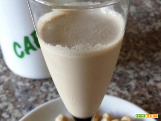Nocciolino: bevanda fredda al gusto di caffè e nocciole