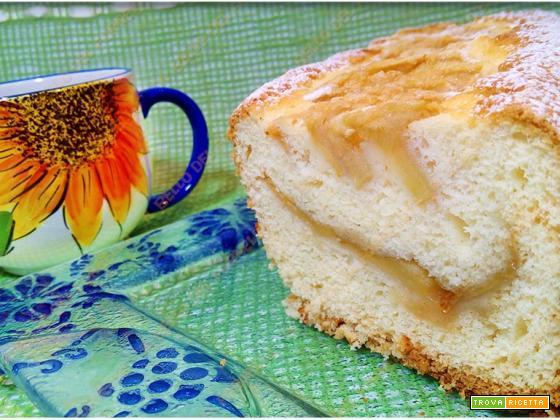 Plumcake soffice con marmellata e mele