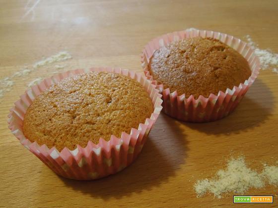 Muffin con farina integrale e due albumi. Veloci e facili.