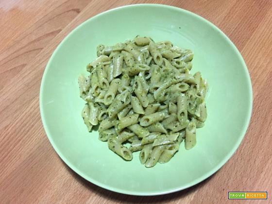 Pasta con pesto di pistacchio veloce