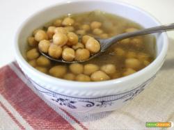 Zuppa di ceci e alghe