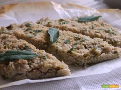 Torta di riso con fave e cotto