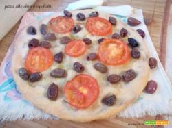 Pizza alle olive e cipollotti – lievito madre