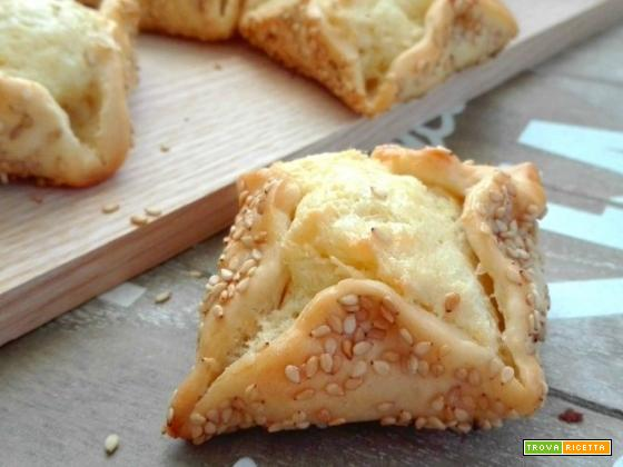 Flaounes: focaccine cipriote al formaggio