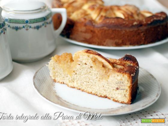 Torta di mele integrale con purea di mele e farina di avena