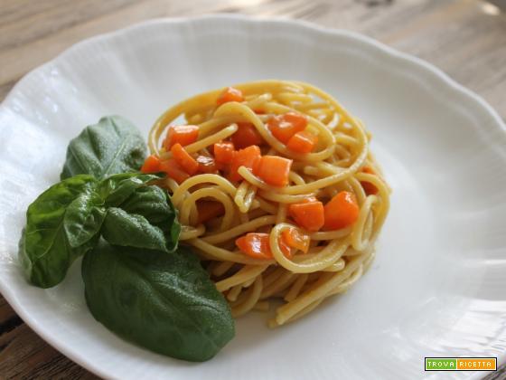 Spaghetti carote e curcuma – idee con la curcuma