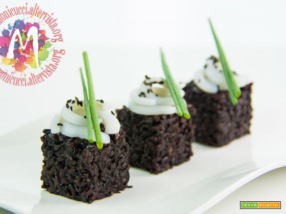 Black Rice Cube Salad: Insalata di Riso Nero e calamari agli agrumi