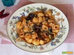 Pasta con bietole e olive