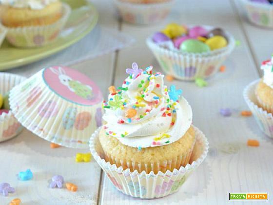 Cupcakes soffici di Pasqua con sorpresa
