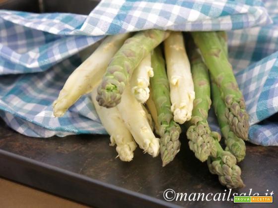 Cocotte golosa di uova e asparagi