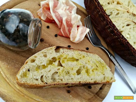 Pane al pepe con lievito madre