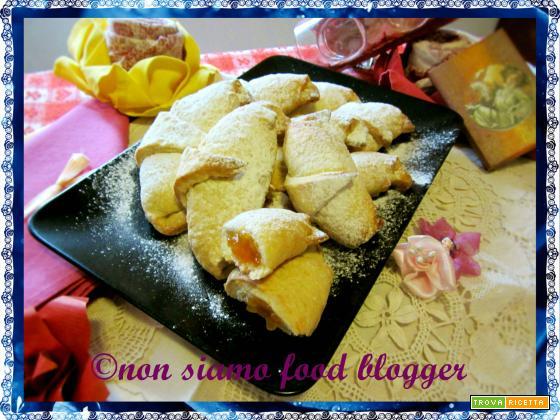 I cornetti veloci allo yogurt di Anna Moroni, ricetta senza uova