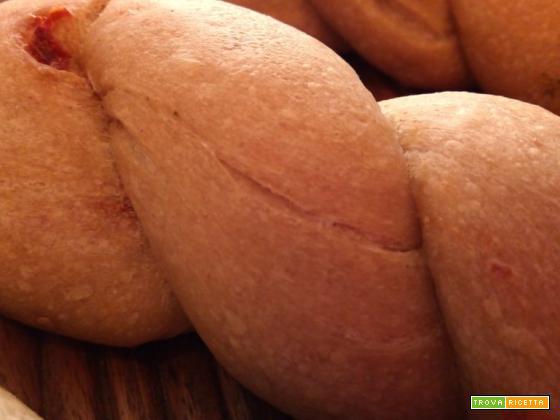 Trecce di pane alla mediterranea