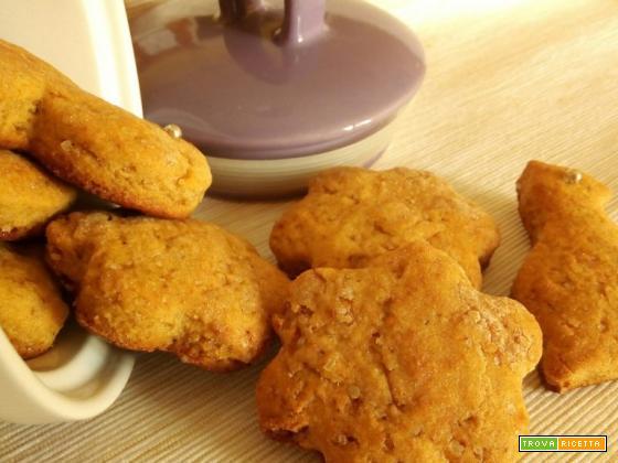 Biscotti al burro di nocciole e miele