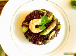 Insalata di riso venere gamberi asparagi e menta