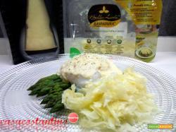 Uovo d'oca in camicia con asparagi, crema di grana e Raspadura