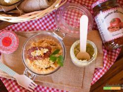 Crumble salato con crema di carciofi e pomodori essiccati