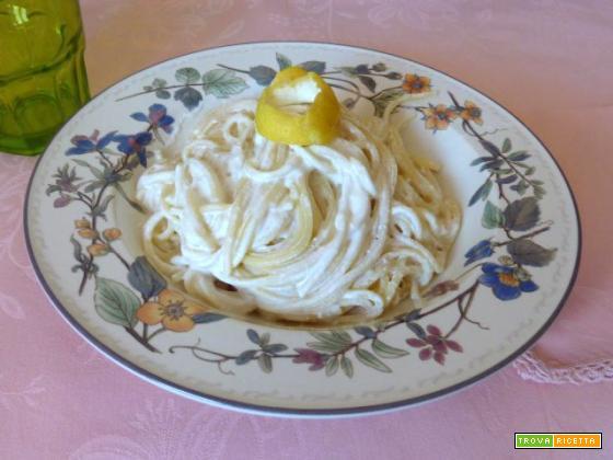 Spaghetti allo yogurt e limone