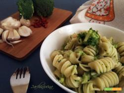 Pasta con il cavol broccolo – ricetta veloce