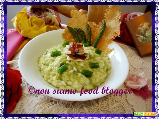 Risotto agli asparagi con brie e pancetta croccante