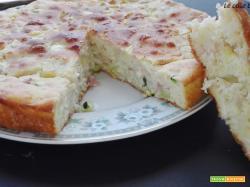 Torta salata con zucchine prosciutto e formaggio