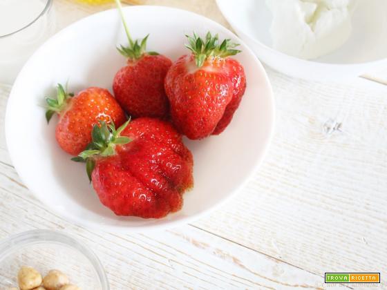 Strawberry end Almond Milk Smoothie (benvenuto Maggio)